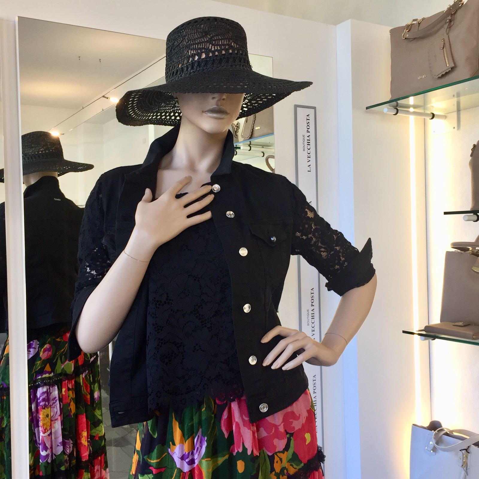 Cappello Clorofilla Liu Jo – Boutique La Vecchia Posta aafec92bcf9